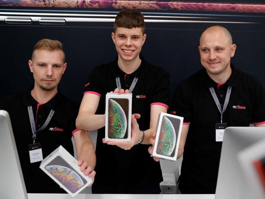 Apple Kabarnya Mau Pangkas Produksi iPhone