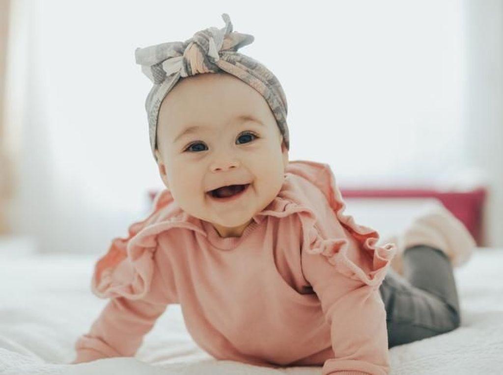 100 Nama Bayi Perempuan Islami dengan Beragam Arti