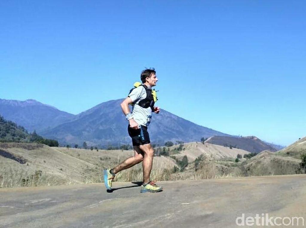Foto: Berlari Menyusuri Keindahan Gunung Ijen