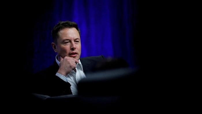 Elon Musk Siap Kembangkan Teknologi Komputer Terhubung dengan Otak Manusia