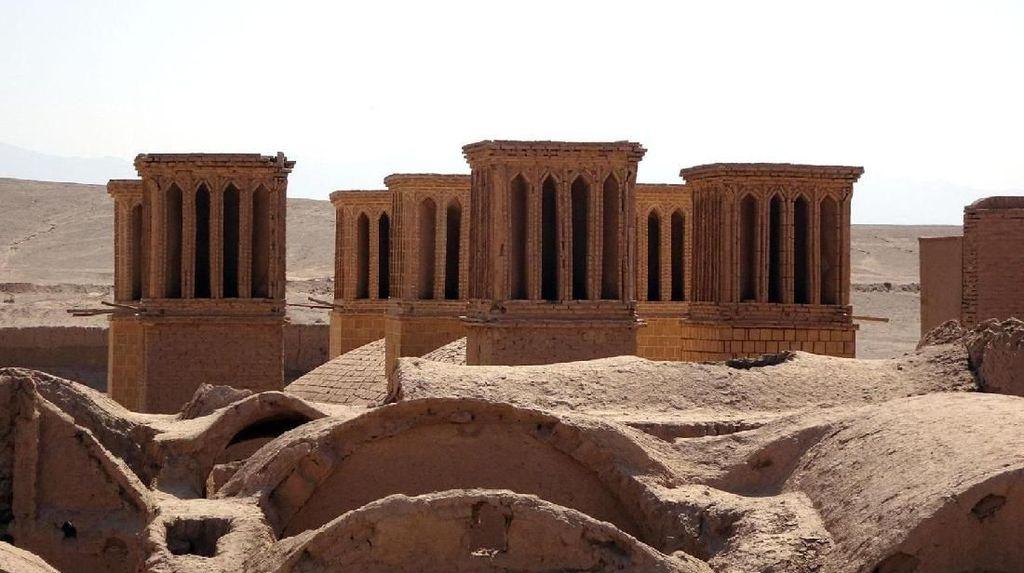 Penampakan AC Kuno dari Iran