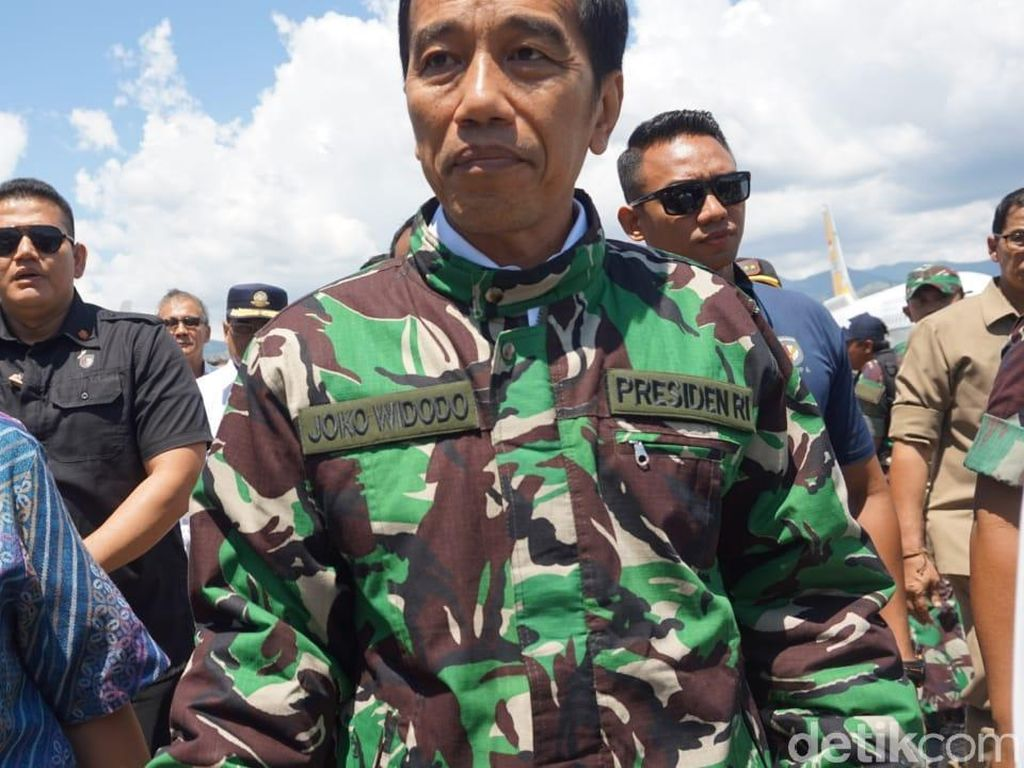 Ini Makna Jaket Loreng Jokowi saat Tinjau Korban Gempa di Palu