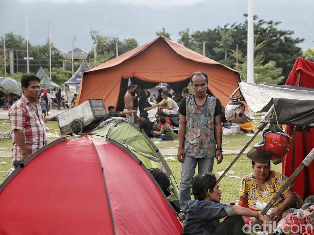 Sampai Hari Ini Total Pengungsi Gempa Sulteng 61.867 Orang