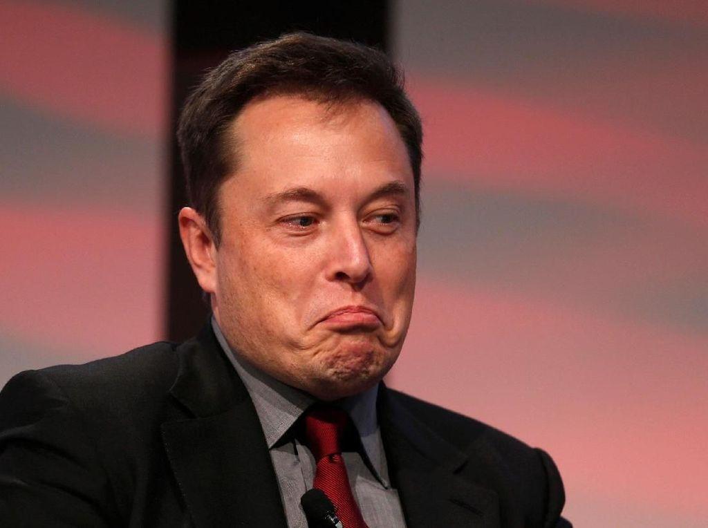 Elon Musk Cibir Jeff Bezos, Sindir Misi Blue Origin ke Bulan
