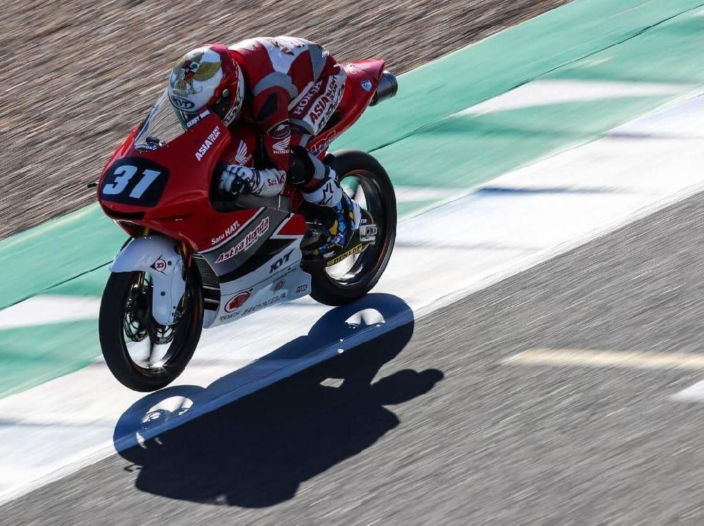Dimas Ekky Jatuh Bangun Sampai Tangan Patah untuk ke Moto2