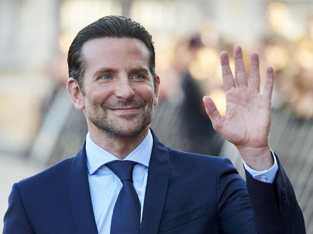 Terungkap! Bradley Cooper Dibantu Eddie Vedder untuk A Star is Born