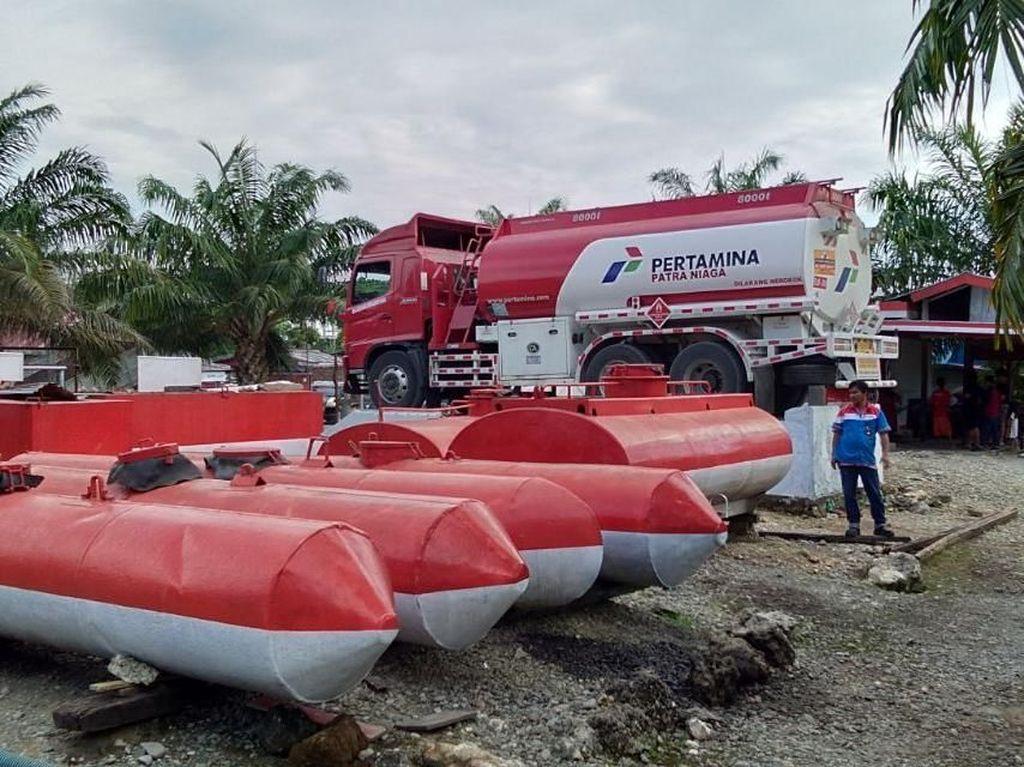 Polisi Kawal Pengiriman BBM dari Tolitoli ke Palu-Donggala