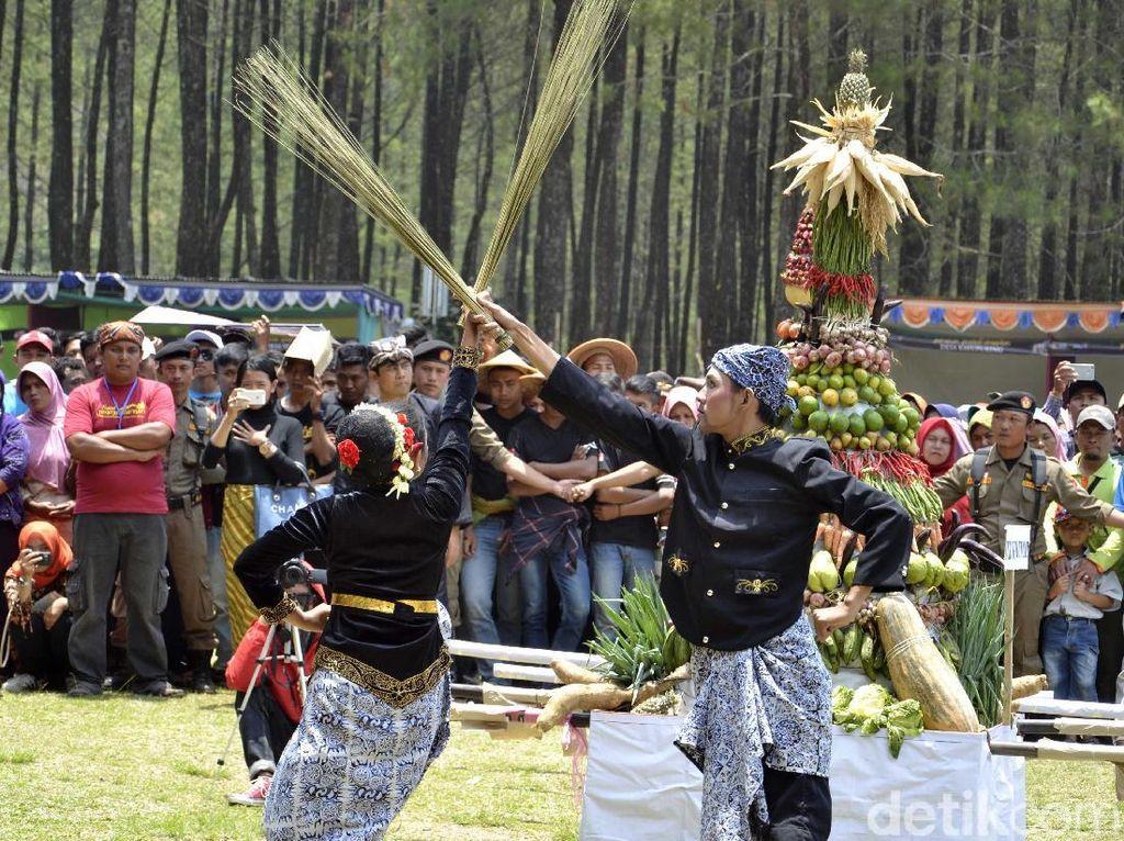 Potret Festival di Atas Awan dari Pekalongan