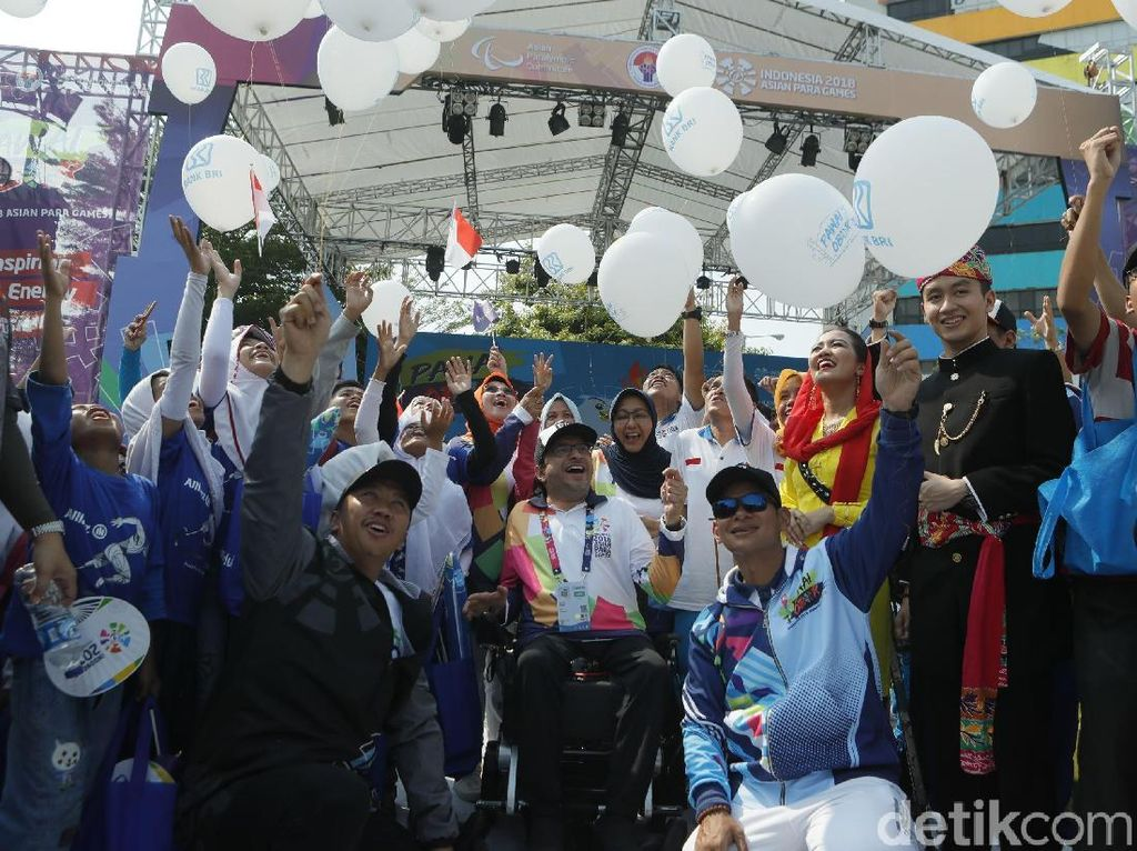 Pawai Obor Asian Para Games Tiba di Kemenpora