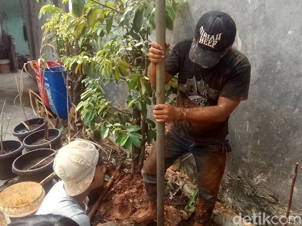 Kemarau, Ratusan Warga di Rawa Geni Depok Kekurangan Air Bersih