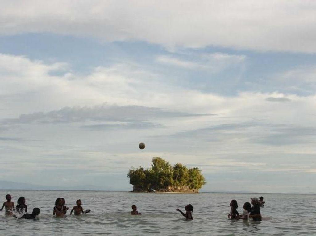 Raja Tiga Adoki, Pesona Lain dari Papua