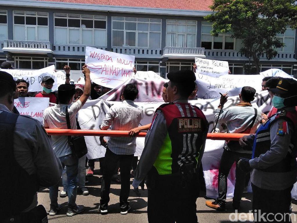Puluhan Orang Tuntut Kasus Ahmad Dhani Soal Ujaran Kebencian Diusut