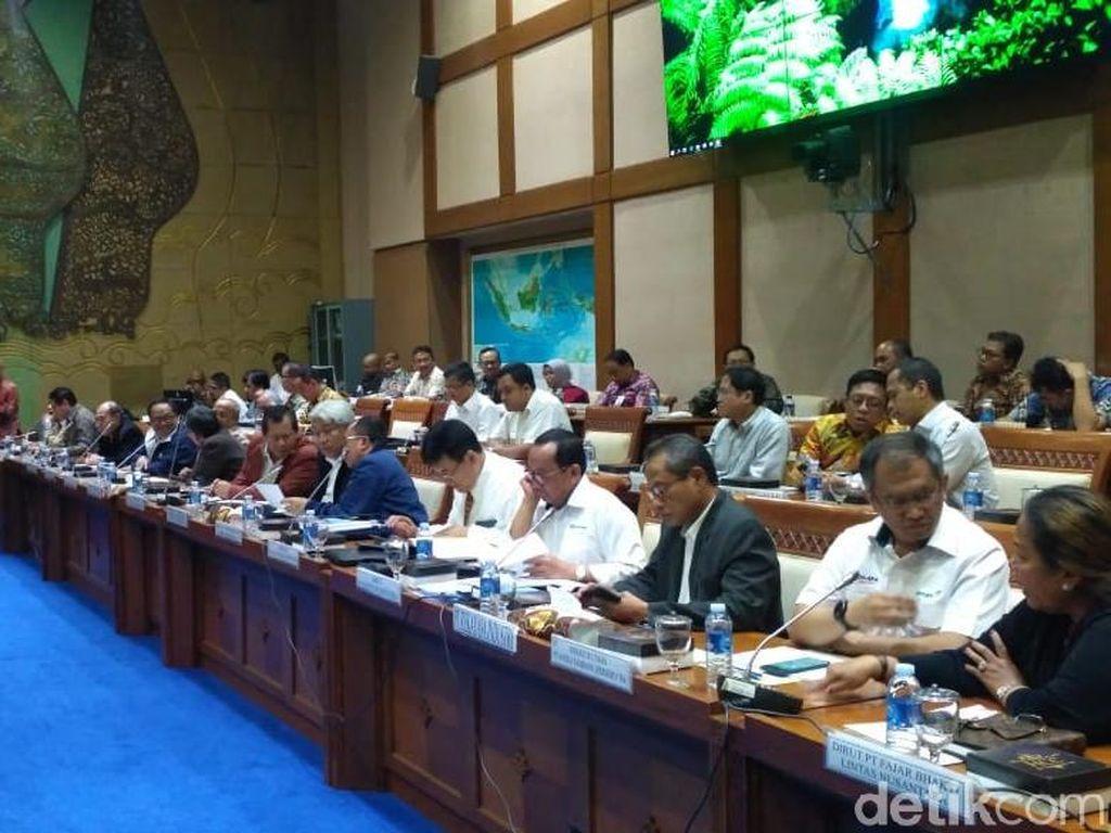 Perusahaan Tambang Ogah Bikin Smelter, DPR Minta Izin Dicabut