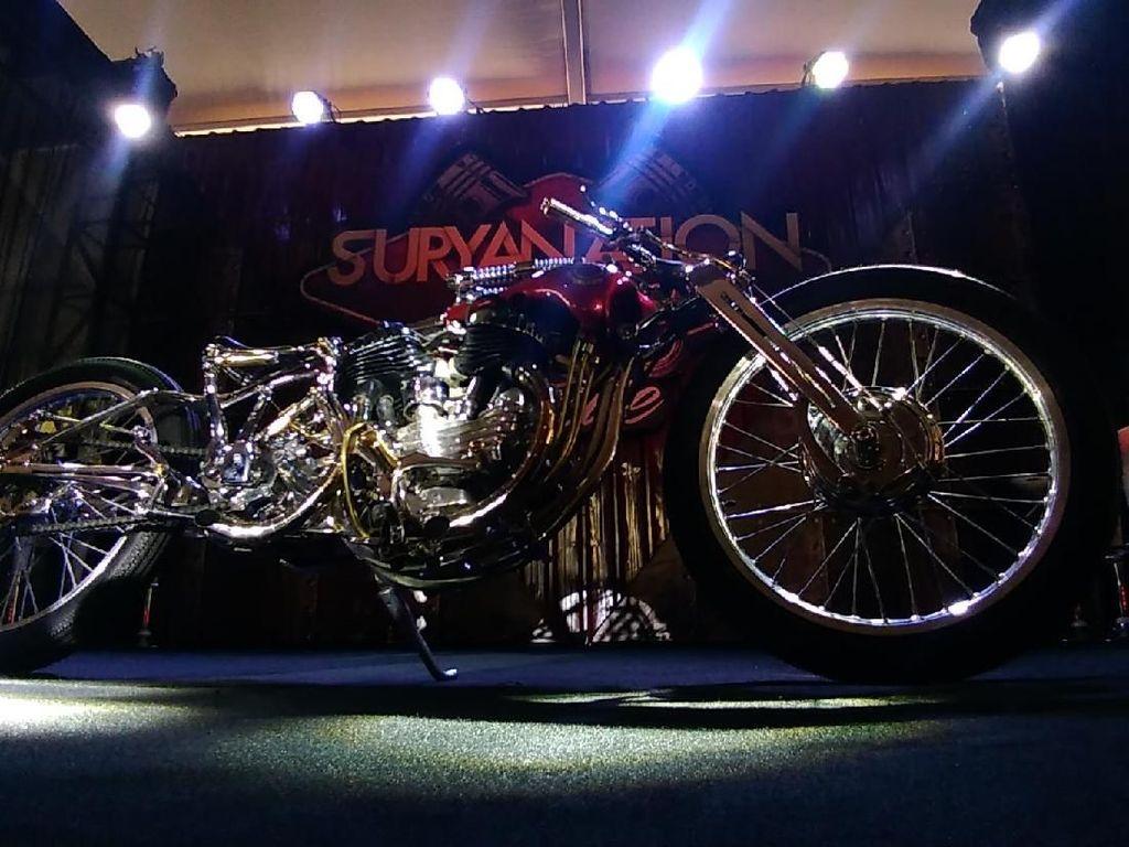 Harley-Davidson WL 1947 Bergaya Boardtracker Mejeng di Surabaya