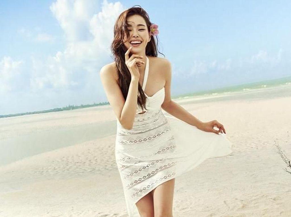 Foto: Gaya Liburan Miss Korea 2006 yang Masih Tetap Hot