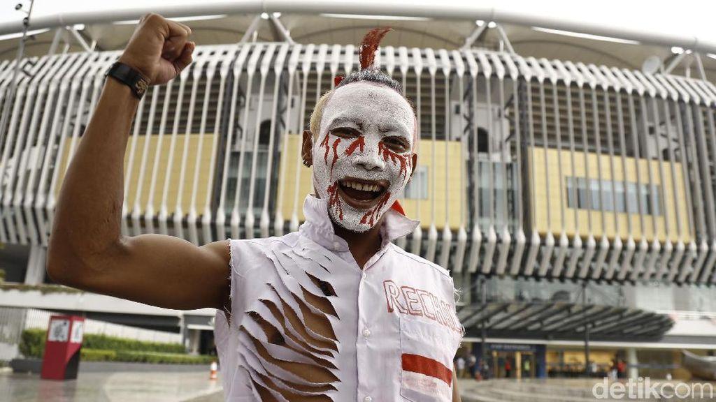 Antusiasme Pendukung Garuda Muda di Stadion Bukit Jalil