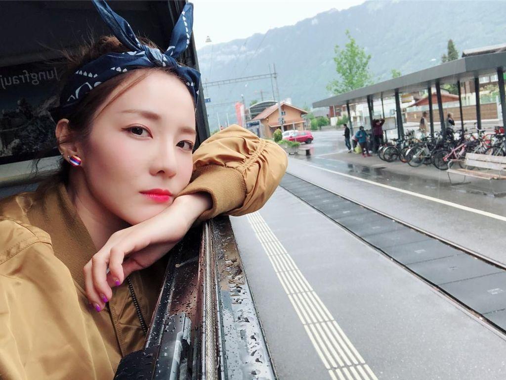 Sambil Menangis, Sandara Ungkap Perjuangan Setelah 2NE1 Bubar