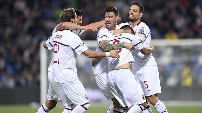 AC Milan sudah melewati periode tak menentu saat dimiliki sebuah konsosrsium asal China (REUTERS/Alberto Lingria)