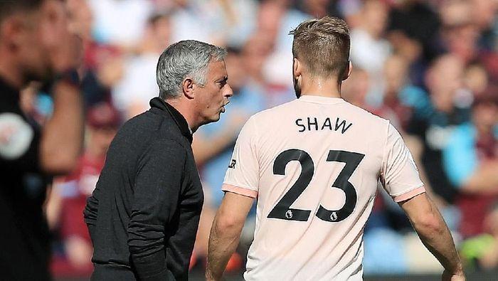 Hubungan Jose Mourinho dan para pemain MU dipastikan baik-baik saja (Marc Atkins/Getty Images)