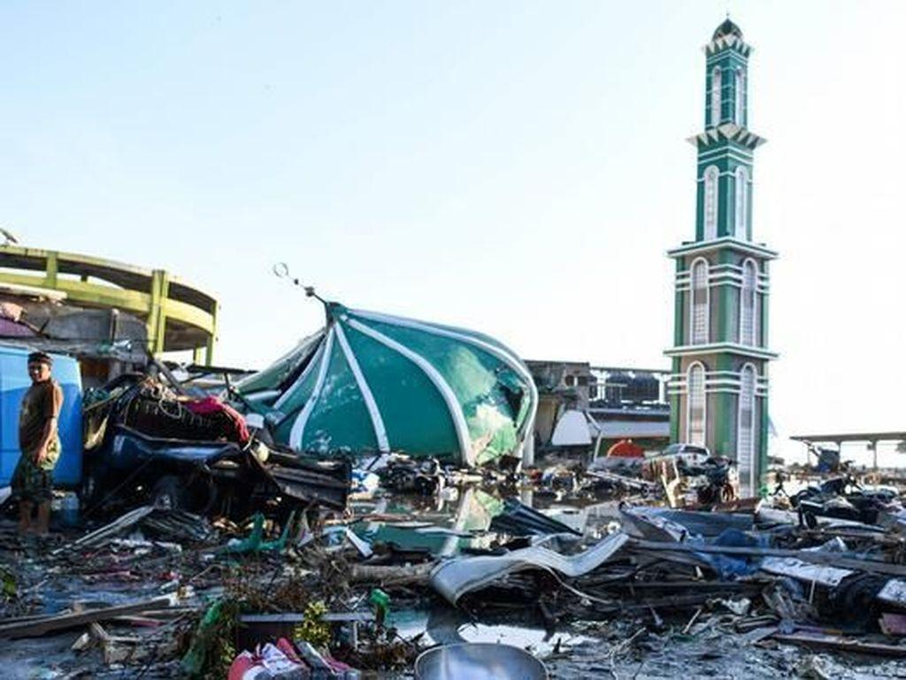 Korban Meninggal Gempa dan Tsunami Sulteng 2.073 Orang