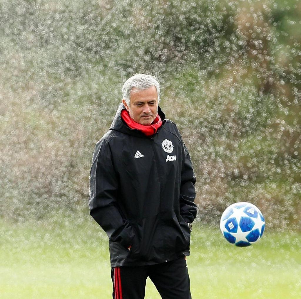 Mourinho Sedang di Situasi Tersulit Dalam Kariernya