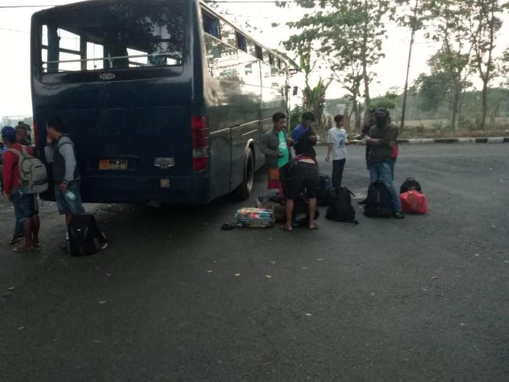 100 Orang Asal Palu Dibawa Hercules ke Lanud Abdulrachman Saleh