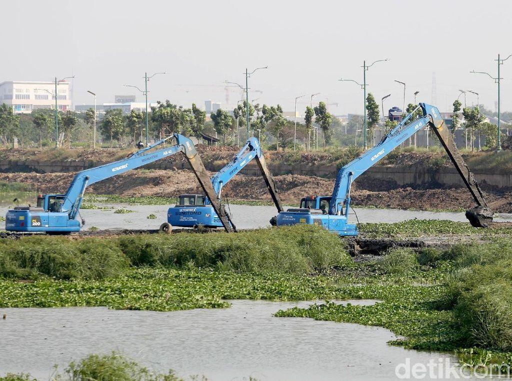 Antisipasi Banjir, Lumpur KBT Dikeruk