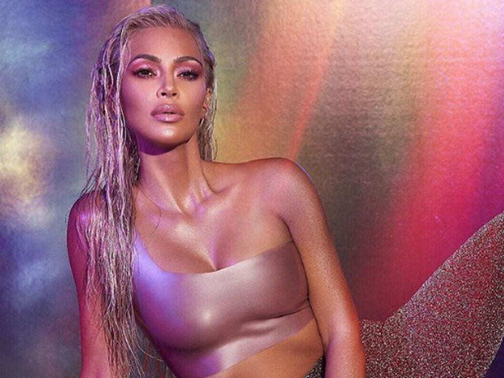 Kim Kardashian Dibayar Kanye West Rp 15 Miliar Demi Tolak Endorse