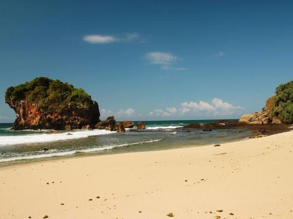 Pantai Jungwok, Nama Mirip Korea Padahal di Yogyakarta