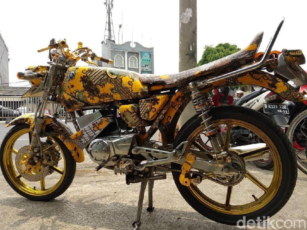Begini Jadinya Jika RX-King Berbaju Batik