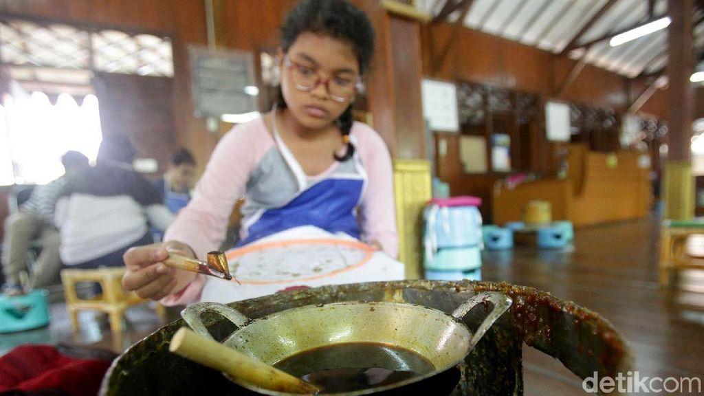 Peringati Hari Batik Nasional di Museum Tekstil
