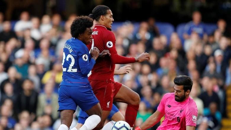 Alisson Becker Dan Lini Belakang Liverpool Saat Menghadapi Chelsea