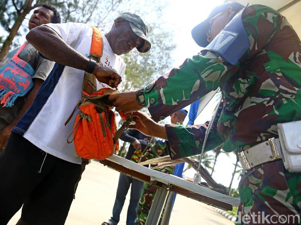 Rawan Penyelundupan, TNI Gelar Razia di PLBN Skouw
