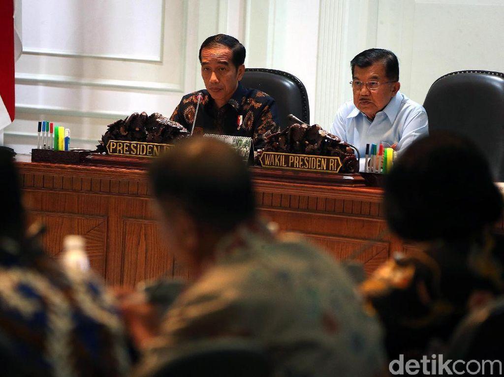 Jokowi Kumpulkan Menteri Bahas Kemacetan di Jabodetabek