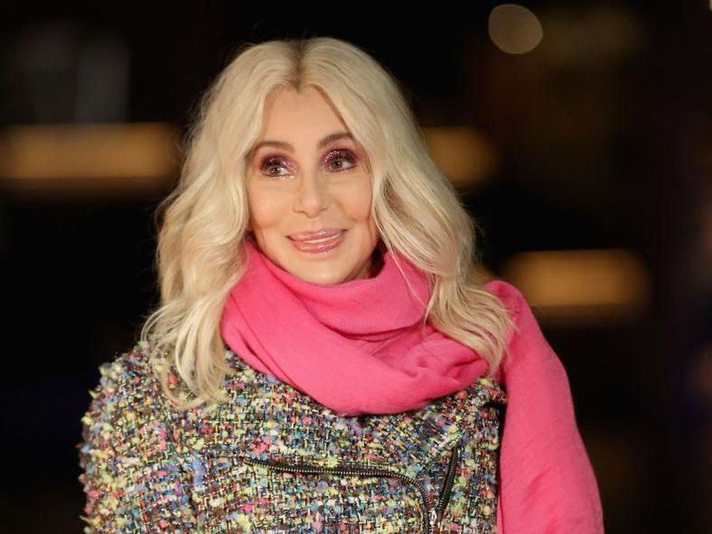 Foto: Wajah Cher yang Awet Muda di Usia 72 Berkat Operasi Plastik