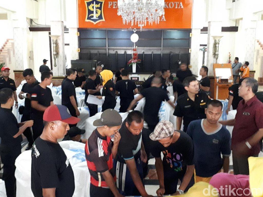 Dari Pemkot Surabaya, Kantung Jenazah Hingga Genset Dikirim ke Palu