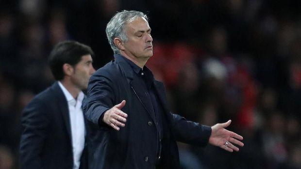 Manchester United merupakan kesebelasan ketujuh yang ditangani Jose Mourinho.