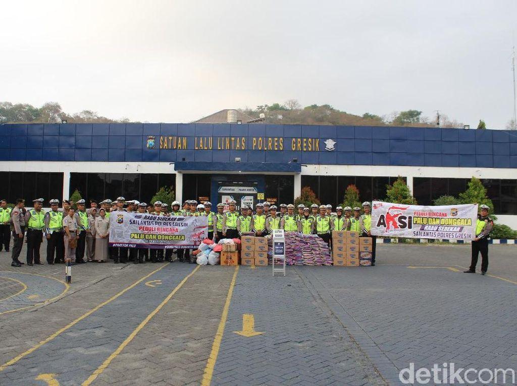 Polisi di Gresik Kirim Bantuan Korban Gempa Palu-Donggala