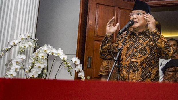 Capres Prabowo Subianto saat memberi keterangan pers mengenai dugaan penganiayaan Ratna Sarumpaet, di Jakarta, Selasa (2/10/2018).