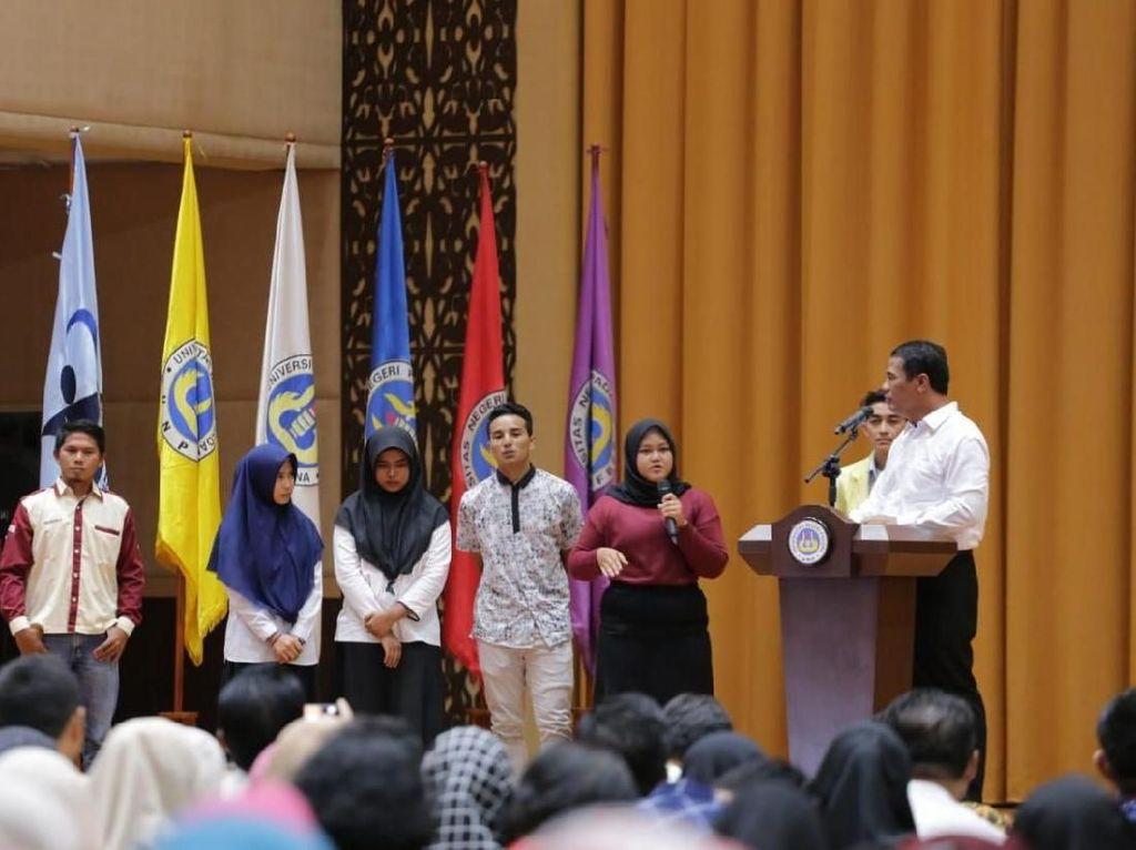 Mentan Ajak Mahasiswa di Padang Jadi Pengusaha Muda