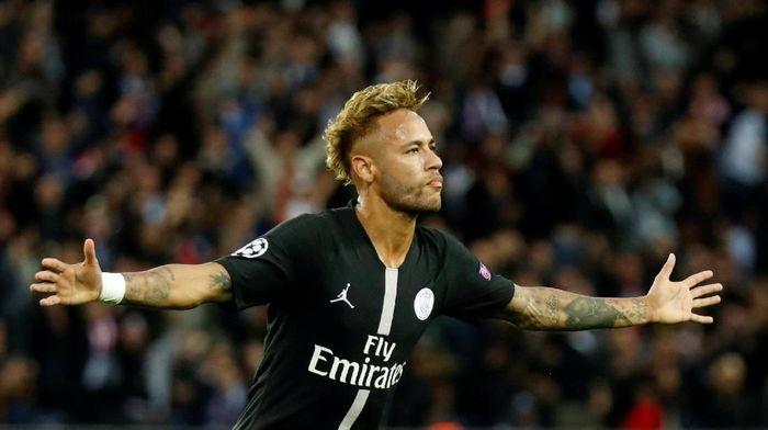 Neymar diklaim sepakat pulang ke Barcelona dan mengalami pengurangan gaji. (Foto: Charles Platiau/Reuters)