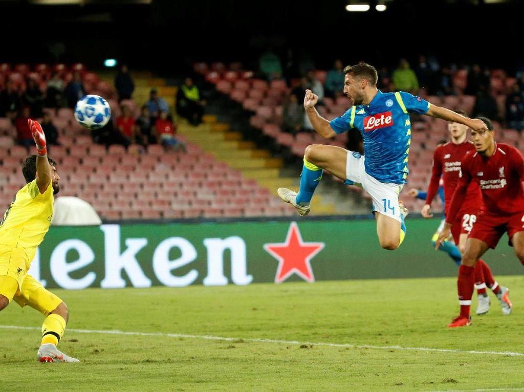 Napoli Bungkam Liverpool di San Paolo