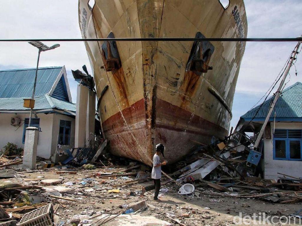 KM Sabuk Nusantara 39, Kapal 500 Ton yang Terseret ke Daratan