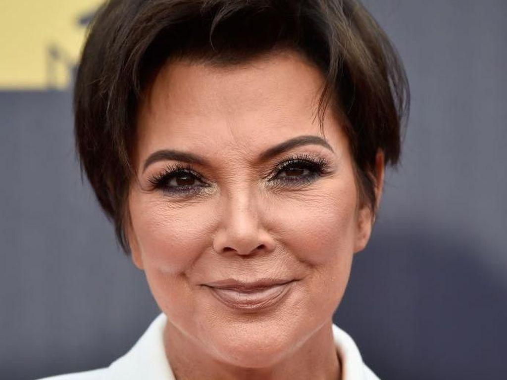 Tampilan Kris Jenner Tanpa Makeup Bikin Syok Netizen
