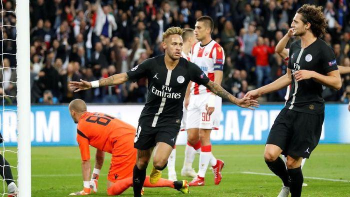 Neymar mencetak tiga gol untuk mengantar Paris Saint-Germain menang 6-1 atas Red Star Belgrade di Liga Champions (Foto: Charles Platiau/Reuters)