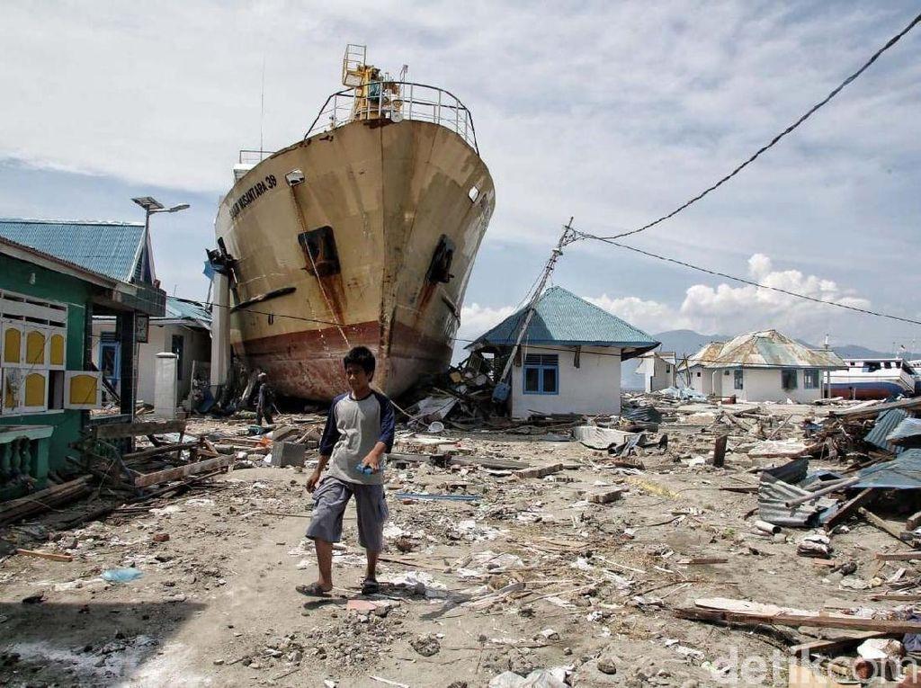 Facebook dan WhatsApp Donasikan Rp 15 M buat Korban Gempa Sulteng