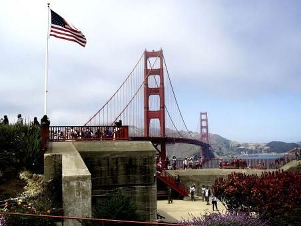 10 Rahasia Golden Gate Bridge dalam 7 Foto