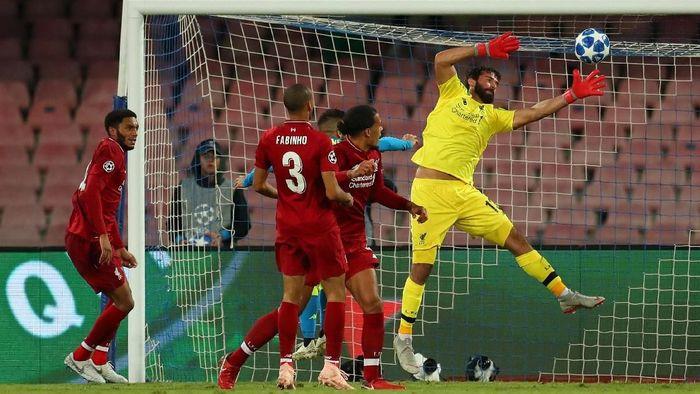 Gawang Liverpool kini lebih aman saat dijaga Alisson Becker (Catherine Ivill/Getty Images)