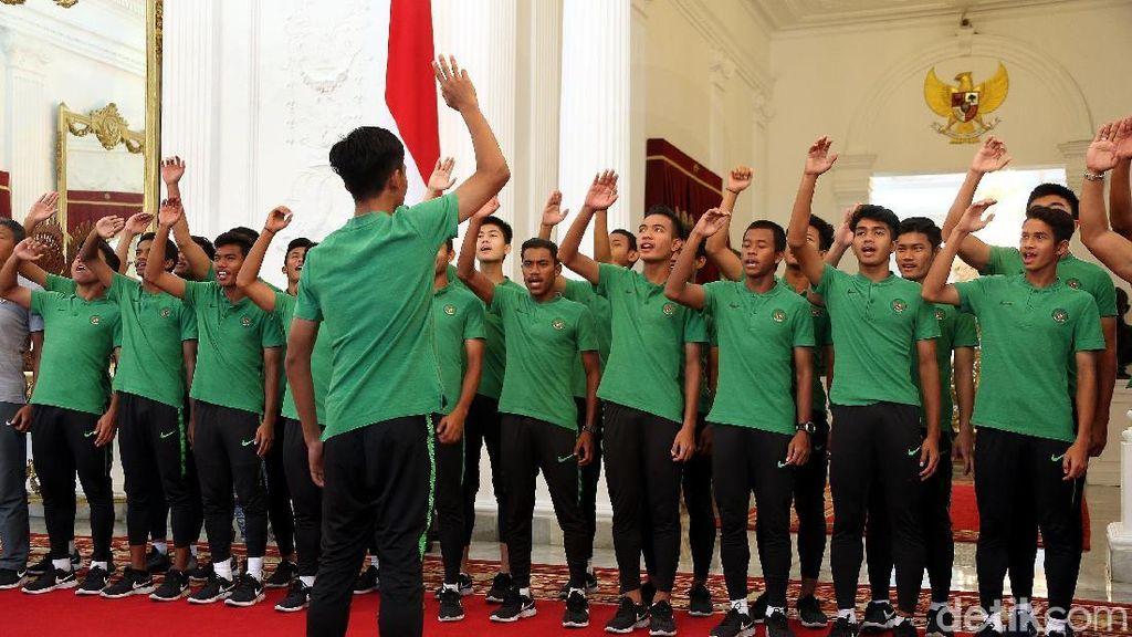 Senyum Cemerlang Timnas U-16 Saat Bertemu Jokowi