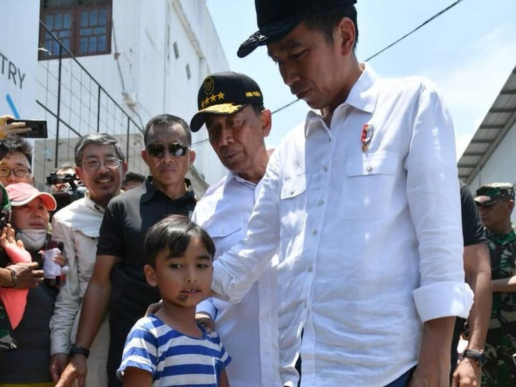 Kisah Izrael, Bocah Korban Gempa Palu yang Ingin Ikut Jokowi